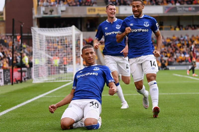 CLB Everton xuất sắc đã giữ lại 3 điểm trên sân nhà